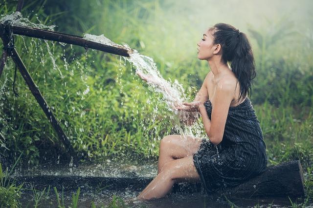 na ženu tečie voda.jpg